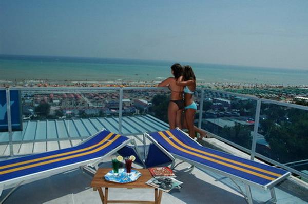 Terrazza broch3 Le spiagge dell Emilia Romagna sono pronte a ripartire ecco come