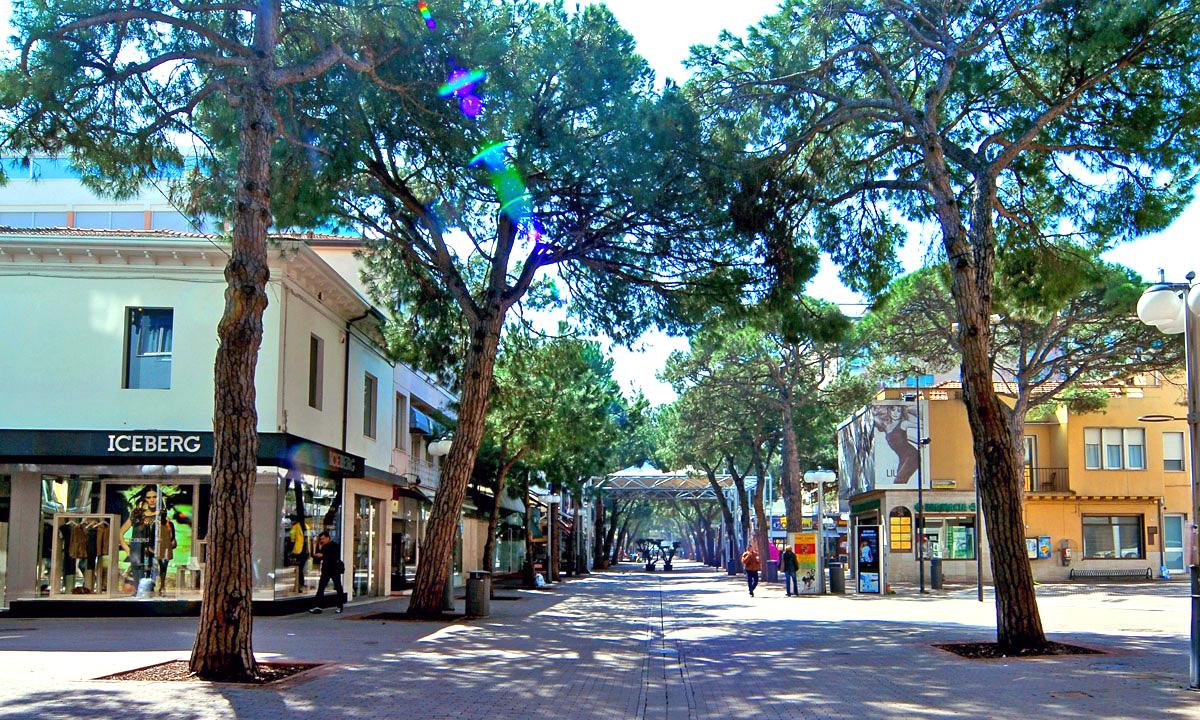 Via ceccarini Il centro di Riccione uno spazio di vita e attrazione per 365 giorni all anno