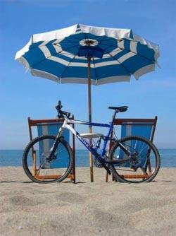 Riccione bike Riccione Ilary Blasi costume super sexy l 8217 estate iniziata Video privato