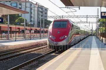 432x240 stazione ferrovie riccione 18 360x240 Treni 8220 Italo 8221 arrivano in Calabria fermate anche a Rimini Riccione e Pesaro