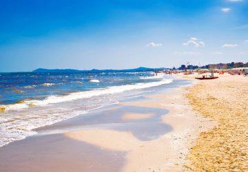 Spiagge emilia romagna pronte ripartire 360x250 Le spiagge dell Emilia Romagna sono pronte a ripartire ecco come