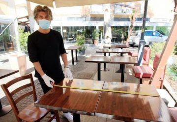 Tavoli2 360x250 Coronavirus Emilia Romagna Bonaccini e Fase 2 8220 Spostamenti tra regioni il 1 giugno 8221 8211 Cronaca