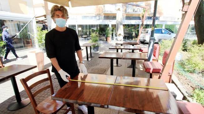 Tavoli2 Coronavirus Emilia Romagna Bonaccini e Fase 2 8220 Spostamenti tra regioni il 1 giugno 8221 8211 Cronaca