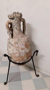 Anfora romana recuperata in mare 169x300 Riccione Offerta Luglio