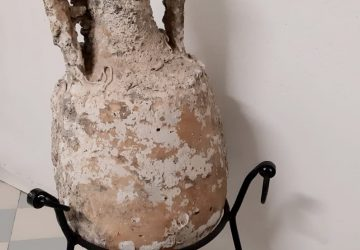 Anfora romana recuperata in mare 360x250 Grazie da Hotel Riccione Albergo Camay
