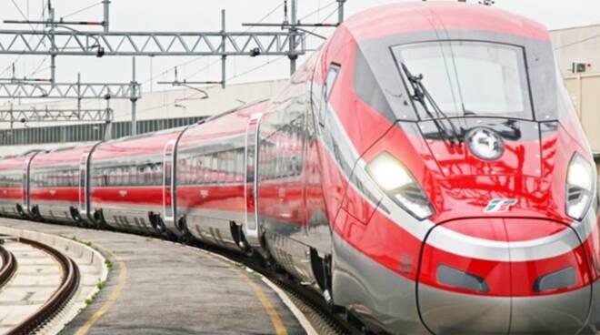 Riccione Offerta al mare in treno2 Riccione Lavori in Preparazione estate 2021