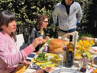 Pasqua Riccione Famiglia Bianchini 1 FOTO Riccione si prepara all 8217 estate nuovo lungomare con foglie stile Liberty