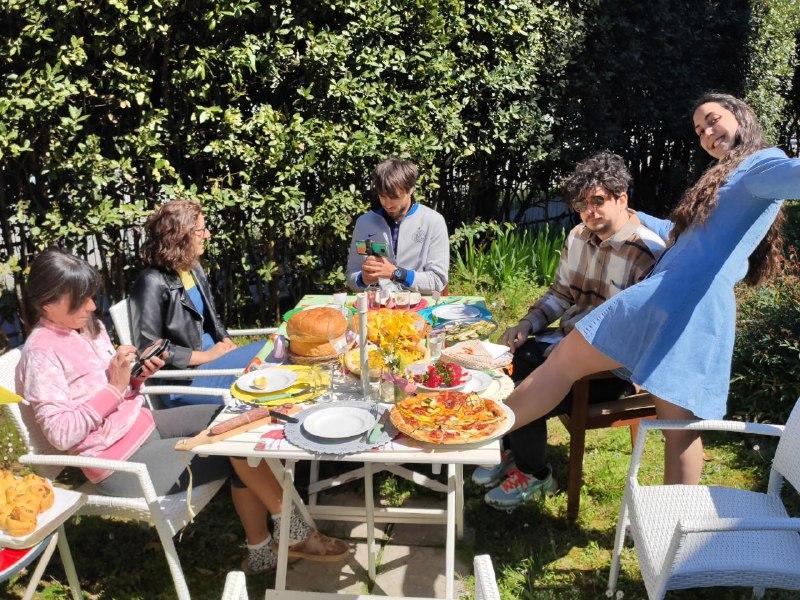 Pasqua Riccione Famiglia Bianchini 4 FOTO Riccione si prepara all 8217 estate nuovo lungomare con foglie stile Liberty