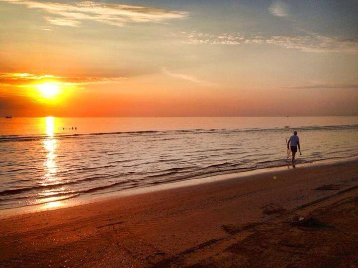 Spiagge Adriatico Una 8216 bolla turistica 8217 per salvare il turismo La proposta degli Albergatori di Riccione